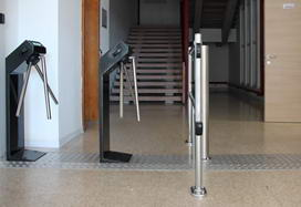 TTR-04.1 tripod turnstiles with anti-panic arms and WMD-05 automatic gates, Italy